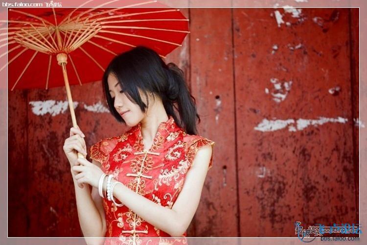 【图】古镇小巷的红旗袍美女[15p]_飞卢论坛