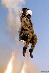 飞行员弹射惊险瞬间